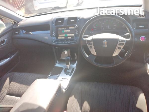 Toyota Crown 3,5L 2011-4