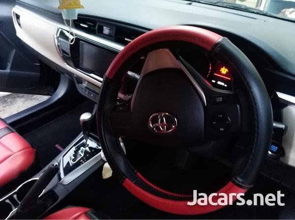 Toyota Corolla Altis 1,6L 2015-8
