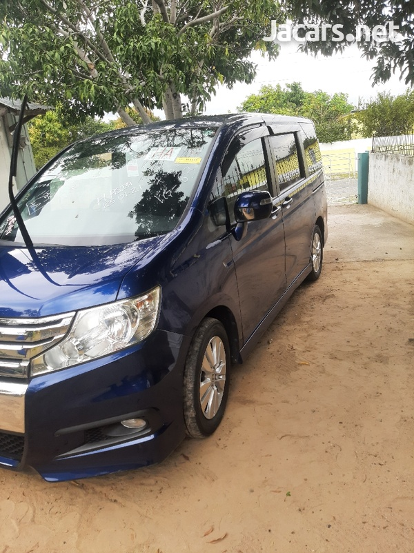Honda Step wagon 2,0L 2012-3