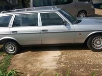 Mercedes-Benz E-Class 0,6L 1985