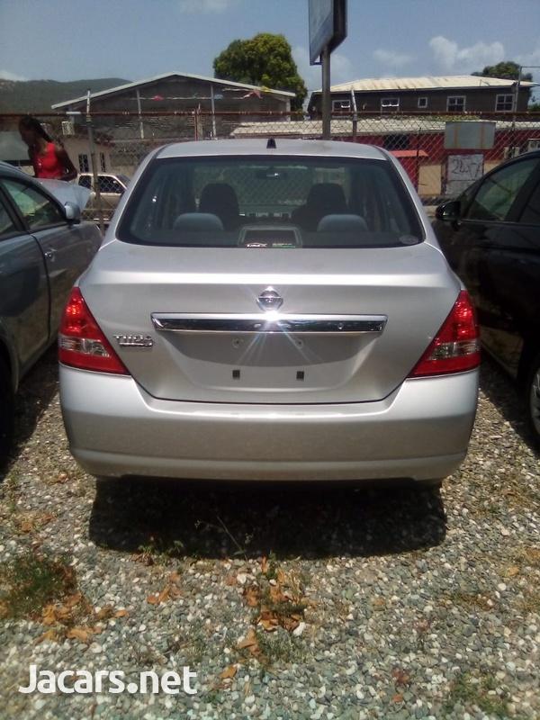 Nissan Tiida 1,3L 2013-5