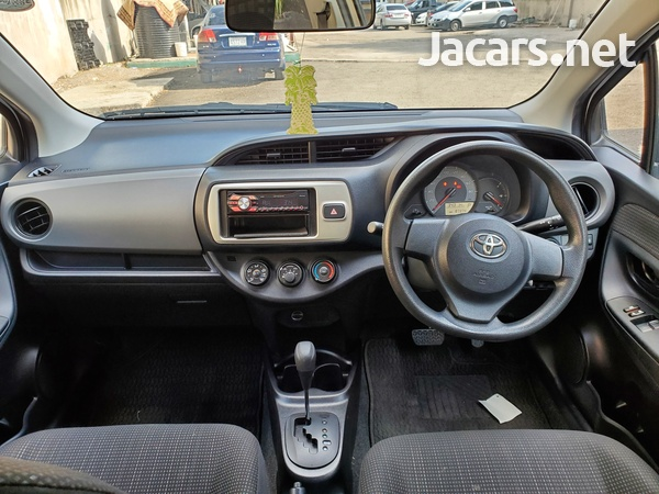 Toyota Vitz 1,0L 2014-10