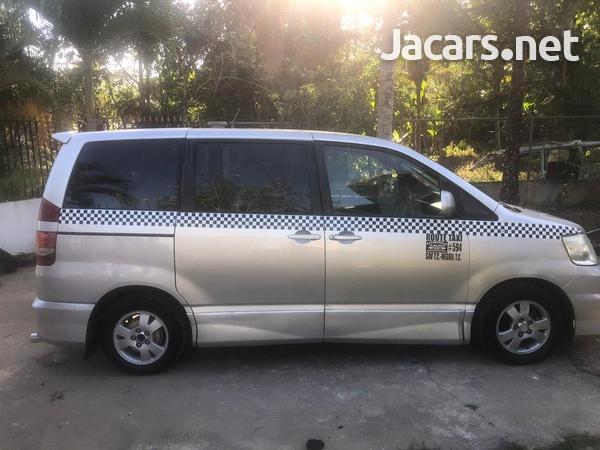 Toyota Noah 2,0L 2001-3