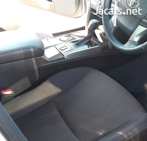 Toyota Mark X 2,4L 2014-5