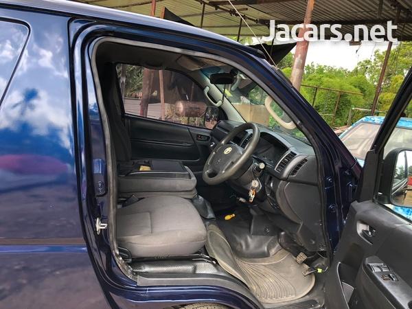 Toyota Hiace 2,4L 2014-11