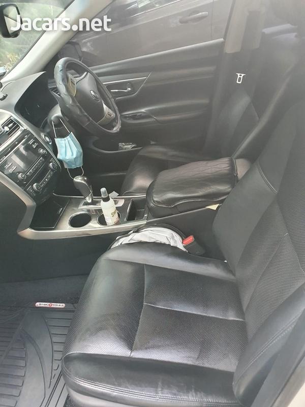 Nissan Teana 2,5L 2014-7