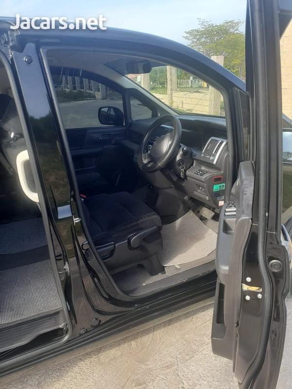 Honda Step wagon 2,0L 2011-3