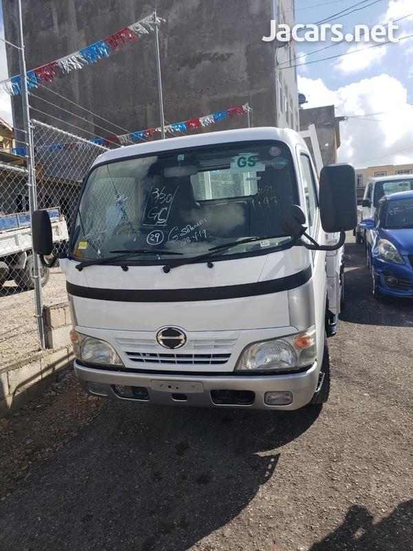 Hino Dutro Truck 2006-2