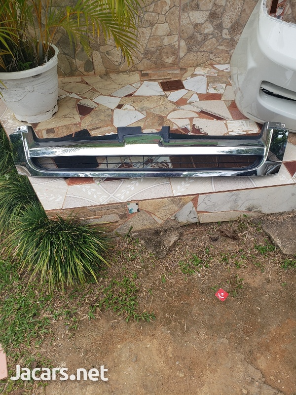 toyota hiace front bumper with grill-2