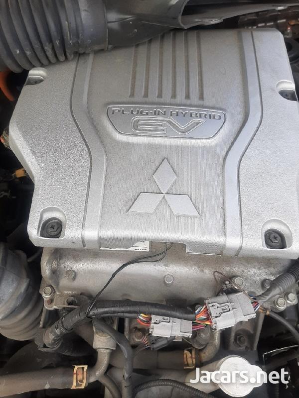 2016 mitsubishi outlander hybrid 2.0 petrol engine-2