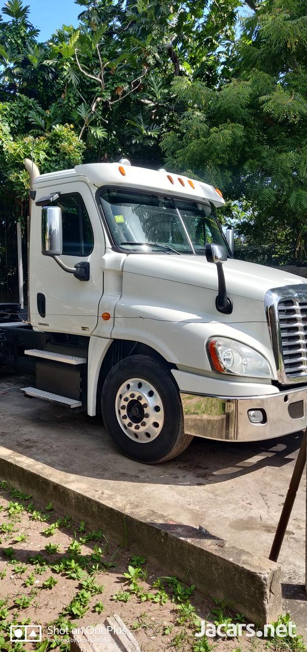 2012 Freightliner Cascadia Truck-2