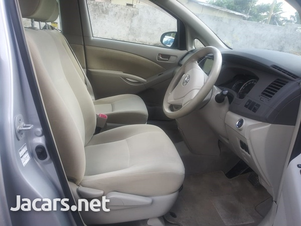 Toyota Isis 2,0L 2015-4