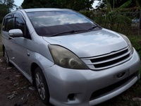 Toyota Isis 1,5L 2008