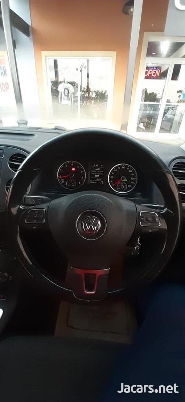 Volkswagen Tiguan 2,0L 2012-8