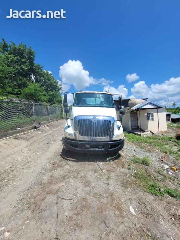 2007 International 8600 Truck-1