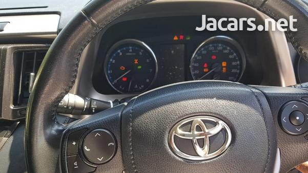 Toyota RAV4 2,0L 2019-7