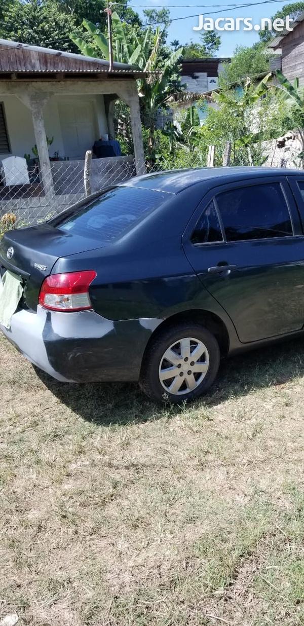 Toyota Yaris 1,5L 2010-10