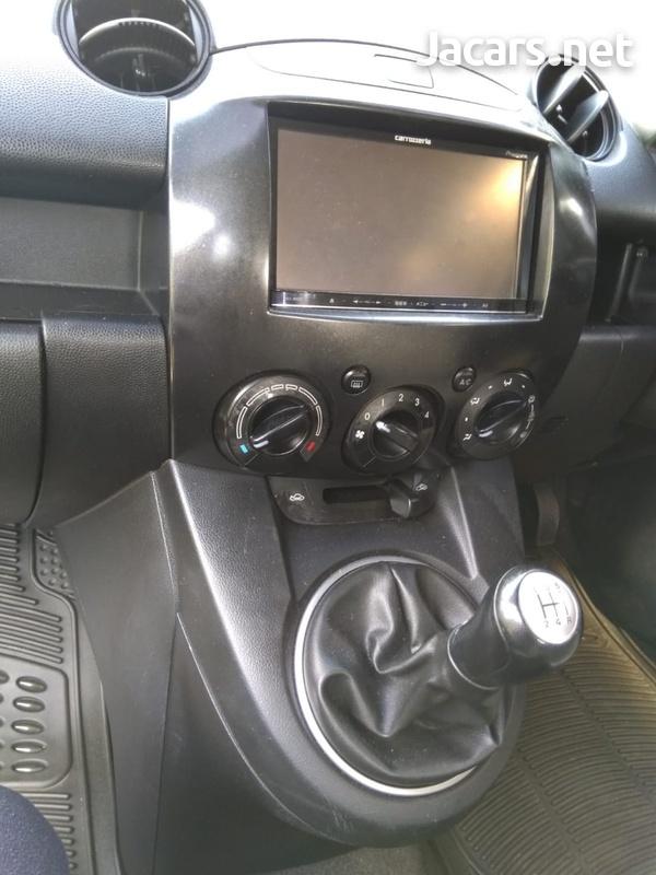 Mazda Demio 1,5L 2010-6