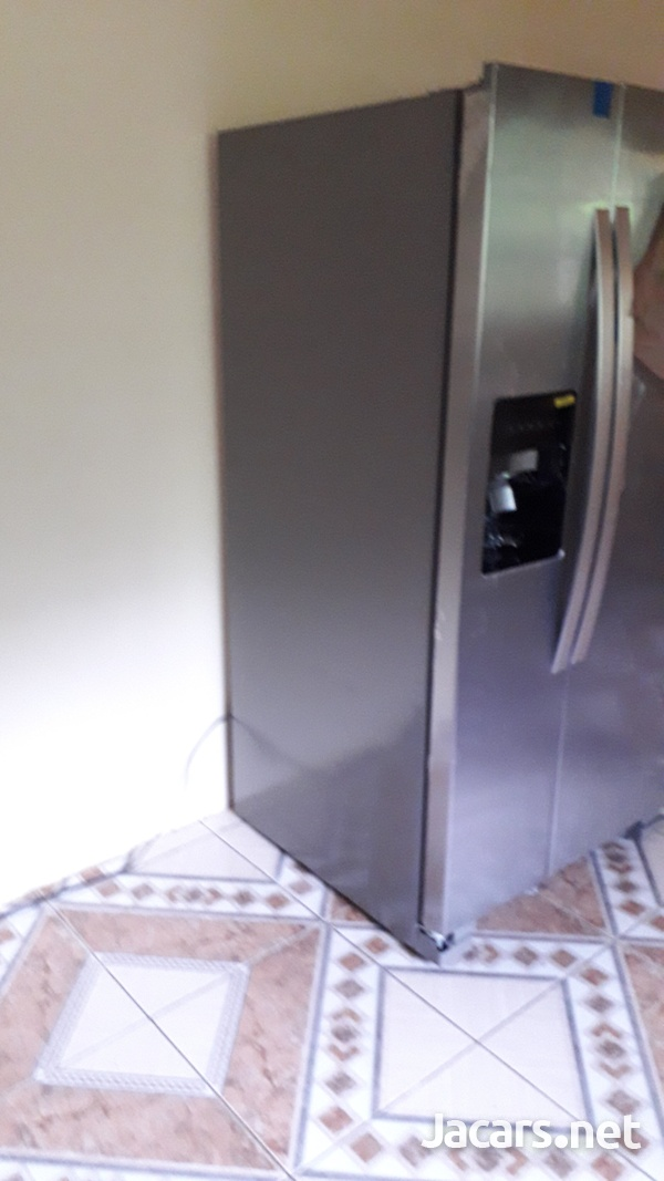 21.1cu ft whirlpool side by side refrigerator - New-2