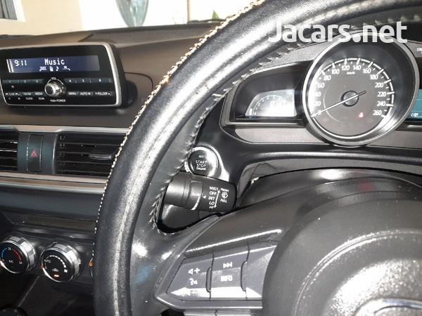 Mazda 3 1,5L 2017-13