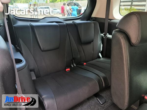 Nissan LaFesta 2,0L 2013-9