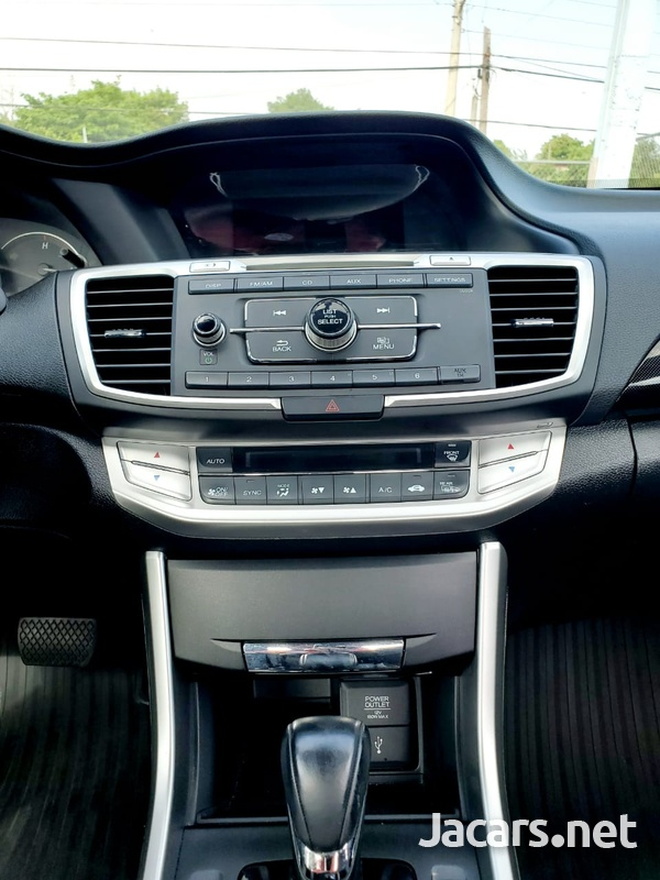 Honda Accord 2,4L 2015-6