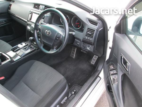 Toyota Mark X 2,0L 2010-4