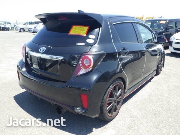 Toyota Vitz 1,3L 2011-4