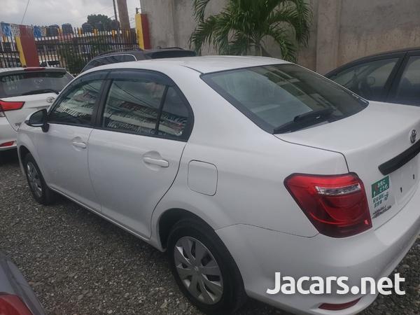 Toyota Axio 1,6L 2016-6