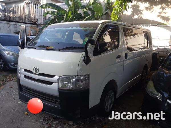 Toyota Regius 3,0L 2015-5