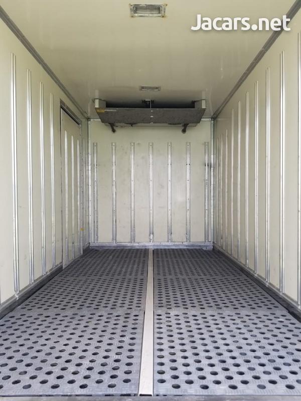 2006 Isuzu Freezer Truck-2