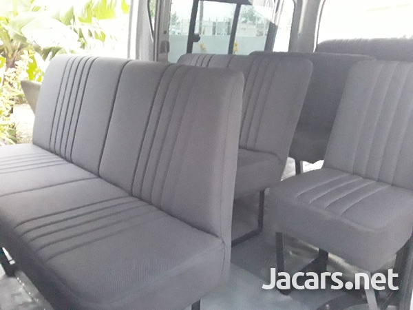 BUS SEATS FOR TOYOTA HIACE AND NISSAN CARRAVAN