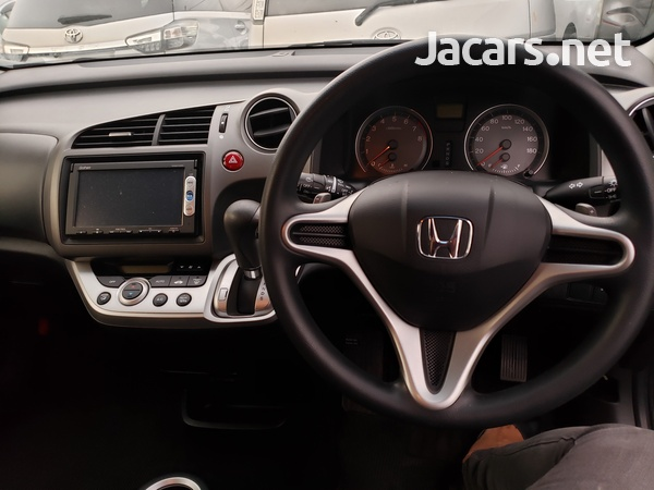 Honda Stream 1,8L 2014-4