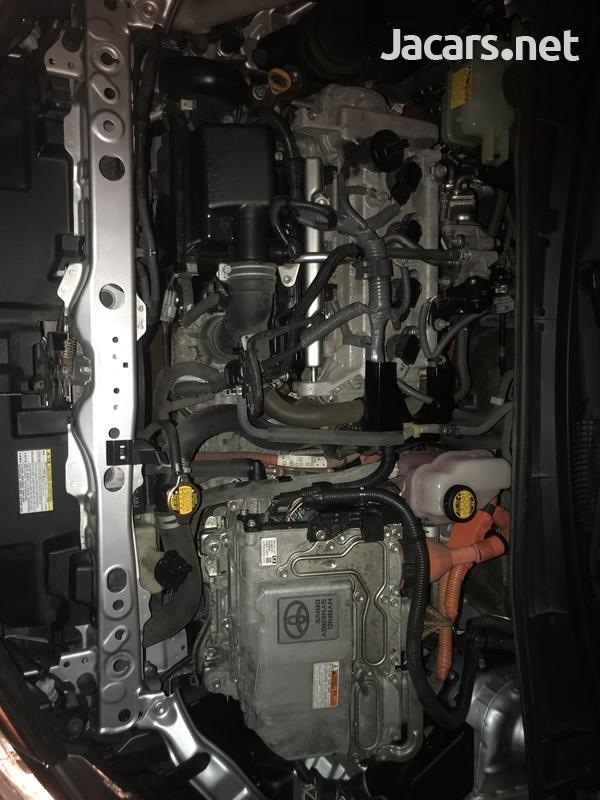 Toyota Fielder 1,8L 2015-7