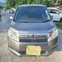 Honda Stepwgn 2,0L 2011