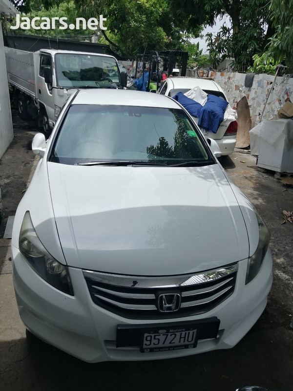 Honda Accord 2,0L 2012-1