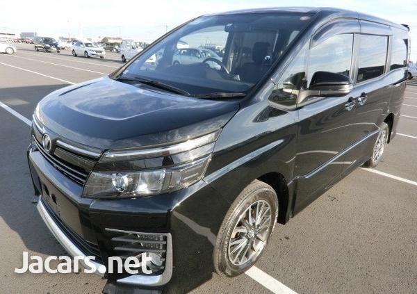 Toyota Voxy 1,9L 2014-1