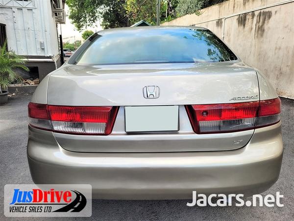 Honda Accord 2,4L 2003-5