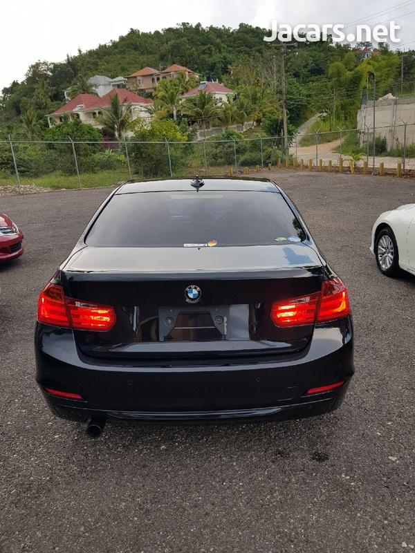 BMW 3-Series 3,0L 2012-9