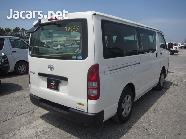 Toyota Hiace Bus 2,0L 2017-3