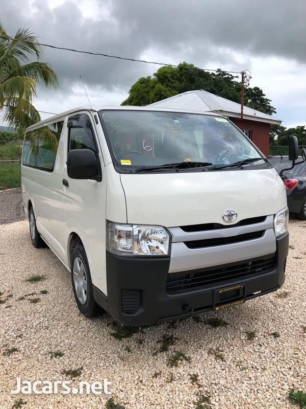 Toyota Hiace 3,0L 2016-1