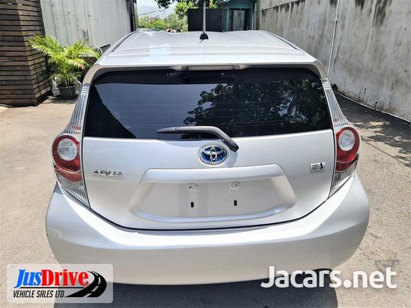 Toyota Aqua 1,5L 2014-5