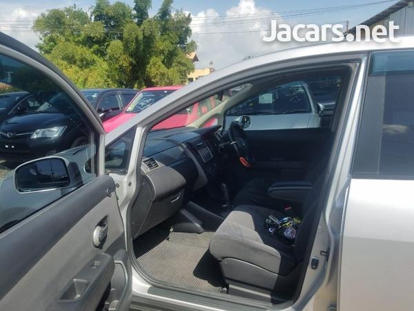 Nissan Tiida 1,6L 2011-5