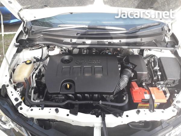 Toyota AURIS 1,8L 2013-5