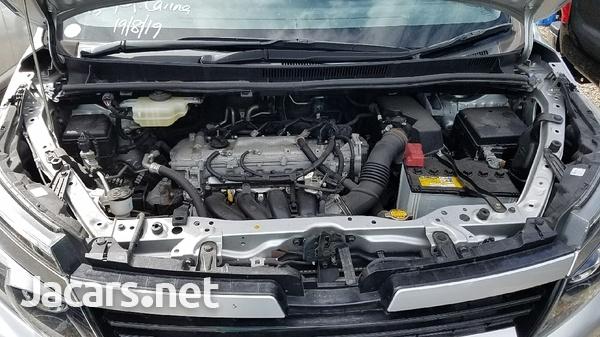 Toyota Voxy 1,8L 2014-3