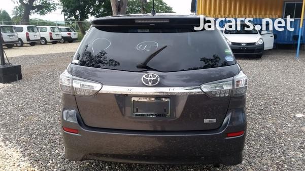 Toyota Wish 2014-3