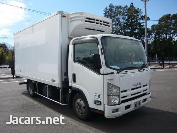 Isuzu Freezer Truck 2012-1