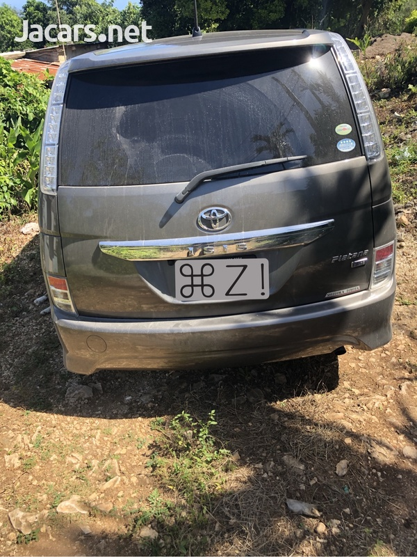 Toyota Isis 1,8L 2011-1