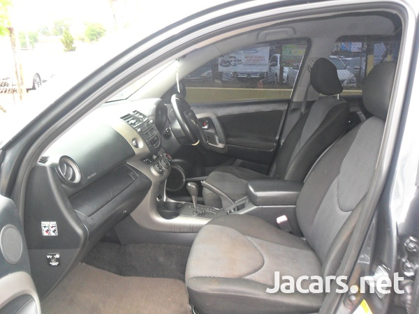 Toyota RAV4 2,0L 2008-6