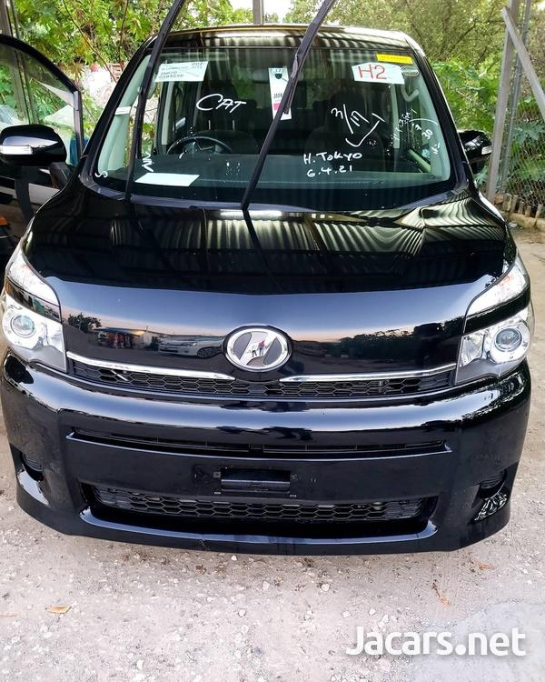 2013 Toyota voxy-10